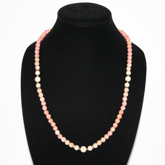 Vintage Jewelry - Beautiful rose and cream natural stone necklace
